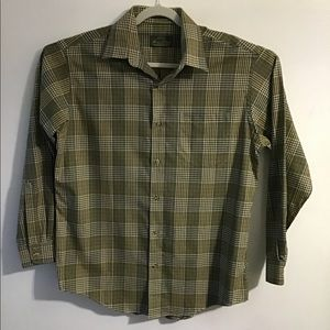 Orvis Signature green plaid button up. Large